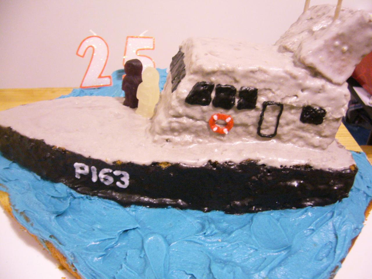 Boat Shaped Cake Cake Or Mistake